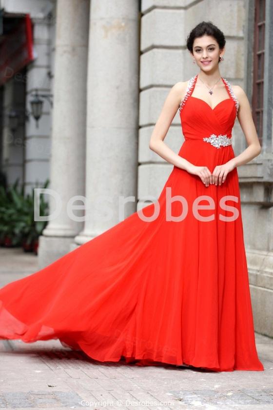 Robé de soirée rouge féerique A-ligne avec licou décoration perlée